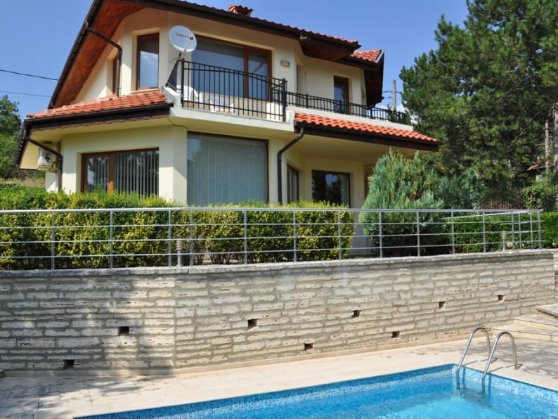 8743cf2fcc7 Вила Сансара - ваканционна вила под наем с 4 спални, частен басейн и ...